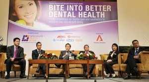 dental-specialists-on-stage